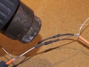 Täck kopplingarna med krympslang